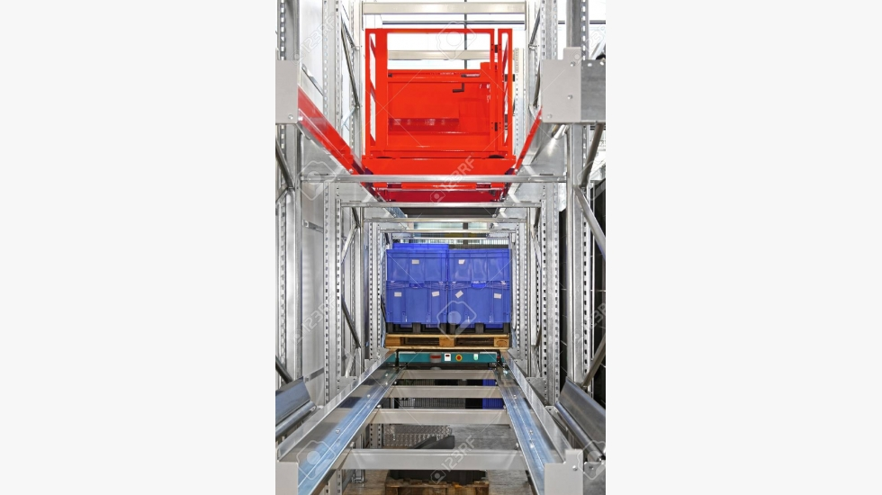 65819479-automated-pallet-shuttle-storage-and-retrieval-system-in-warehouse